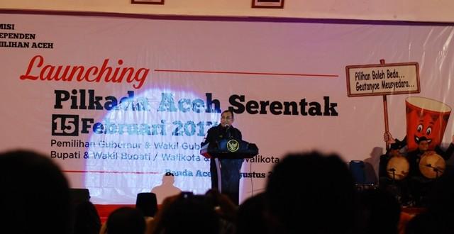 Launching Pilkada Aceh 2017 serentak di Gedung AAC Dayan Dawood, Banda Aceh, Selasa 2 Agustus 2016. Foto: AW