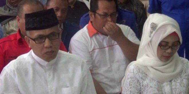 Video: Irwandi Yusuf-Nova Iriansyah Mendaftar sebagai Calon Kepala Daerah ke KIP Aceh