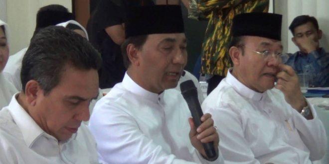 Video: Tarmizi Karim-T Machsalmina Ali Mendaftar sebagai Calon Kepala Daerah ke KIP Aceh