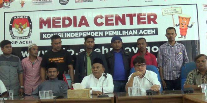 Zakaria Saman-T Alaidinsyah Mendaftar sebagai Calon Kepala Daerah ke KIP Aceh