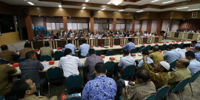 Rapat koordinasi Kependudukan di Aula Serbaguna Kantor Gubenur Aceh, 29 November 2016. [Foto: Hadi]