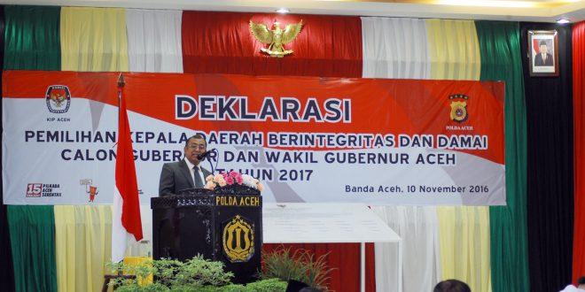 Ketua KIP Aceh memberikat sambutan pada deklarasi Pilkada berintegritas dan damai. [Foto: AW]
