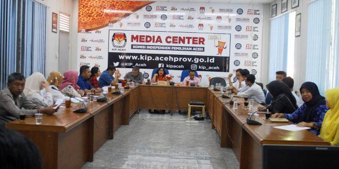 Rapat KIP Aceh dengan Kepala Biro Hukum KPU RI