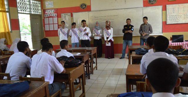 KIP Aceh menggelar Sosialisasi Pilkada dengan Menyambangi beberapa sekolah Di Kota Banda Aceh. Senin, Banda Aceh: 1 Agustus 2016