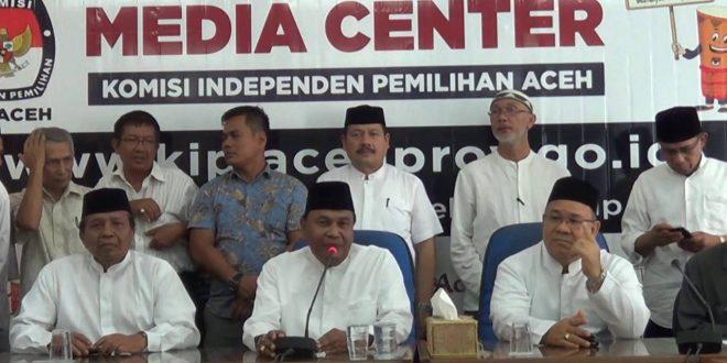 Video: Abdullah Puteh dan Sayed Mustafa Mendaftar sebagai Calon Kepala Daerah ke KIP Aceh
