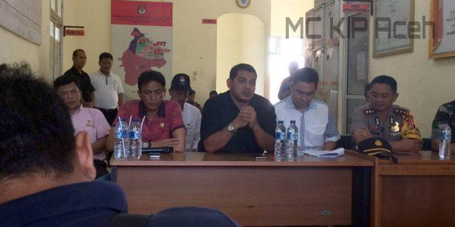 Konferensi Pers di Aceh Timur | Foto: Yudi